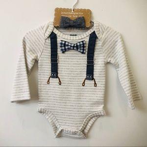 🆕 Mudpie onesie with interchangeable bow tie